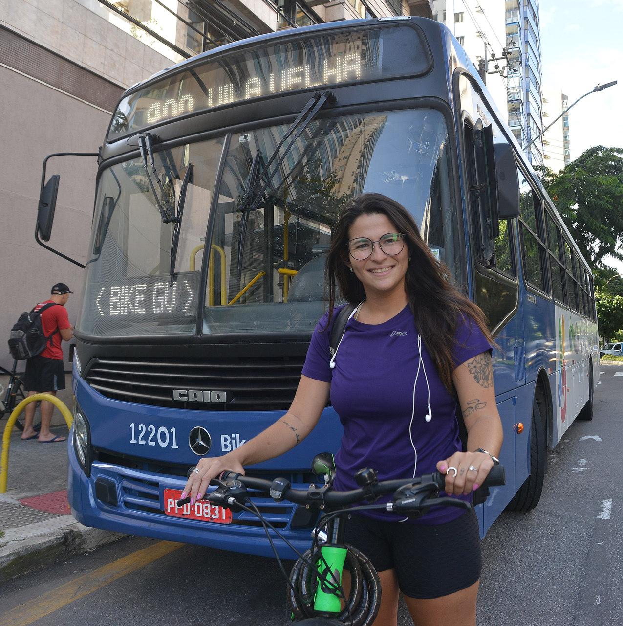 A professora Luar aprovou as mudanças. Foto: Chico Guedes