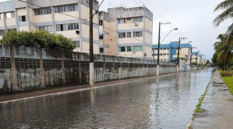 Alagamento na avenida Délio Silva Britto, em Coqueiral de Itaparica, Vila Velha. Foto: João Vitor Gomes