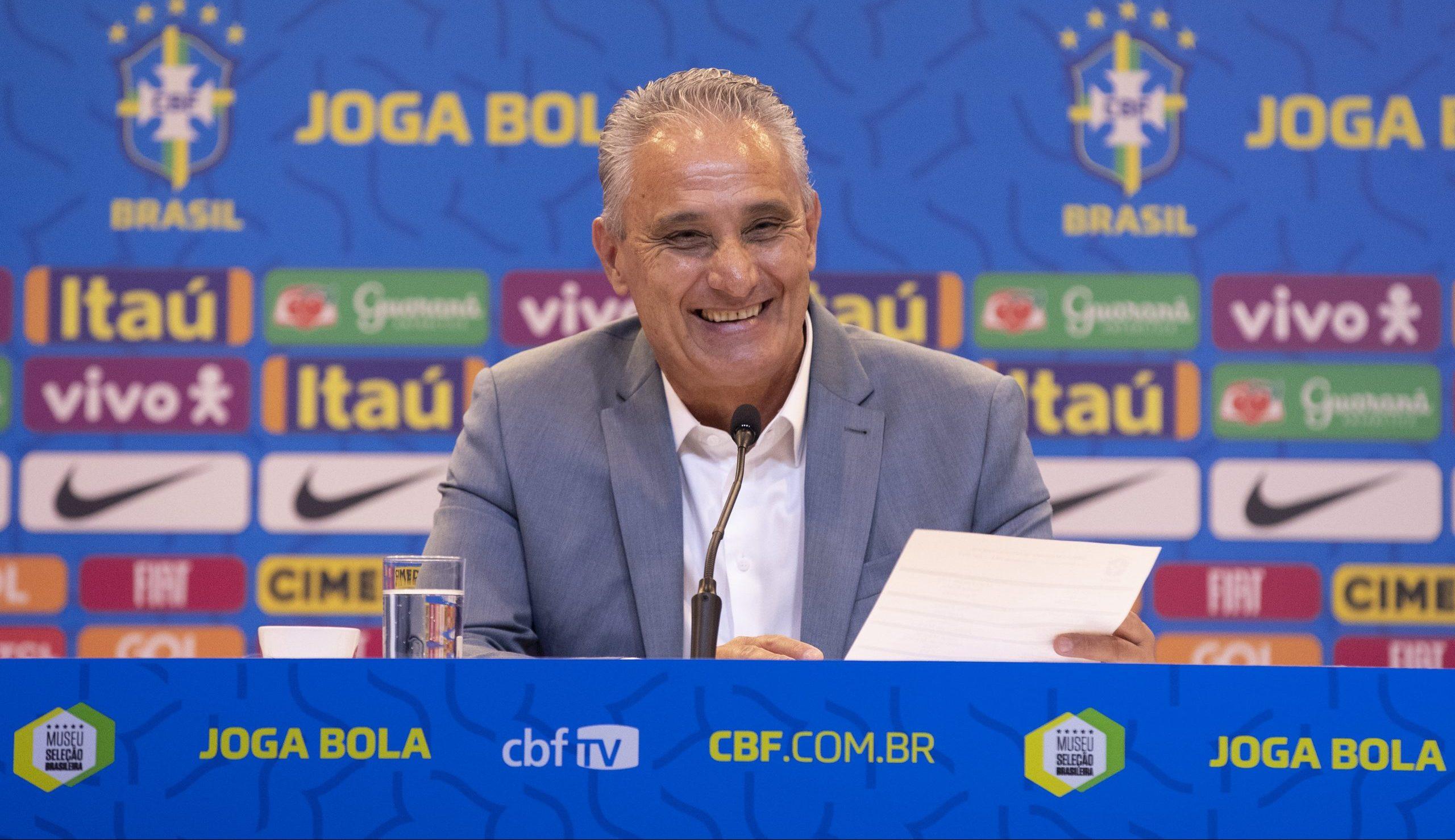 Bruno Guimarães, do Lyon (FRA), é a novidade da equipe do técnico Tite