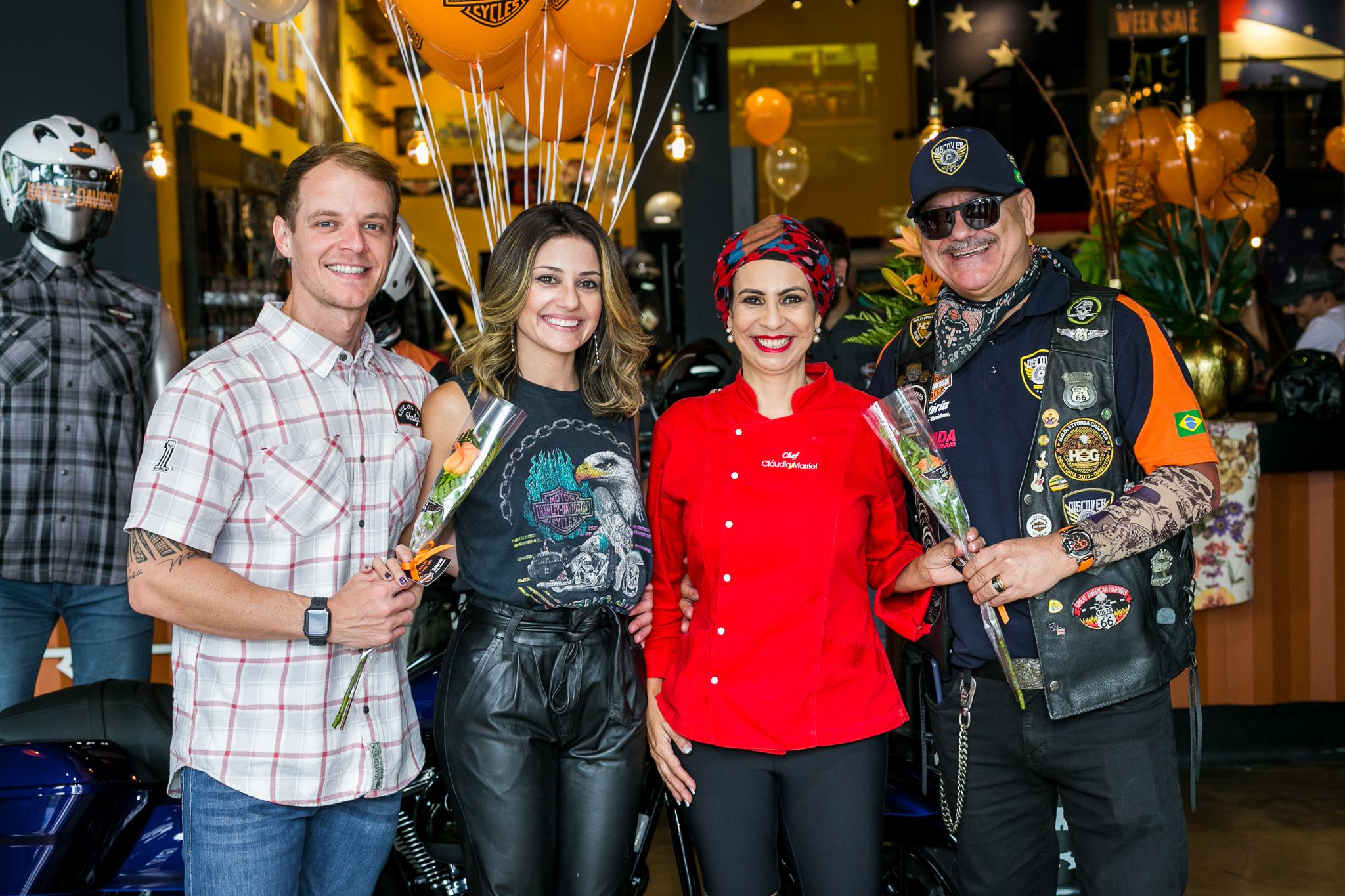 Diego Lobato, Ieda Pontes, Claudia Marriel e Lucimar Cardozo em dia de comemoração às mulheres na Vitória Harley-Davidson, na Enseada do Suá. Foto: Kias Benaducci