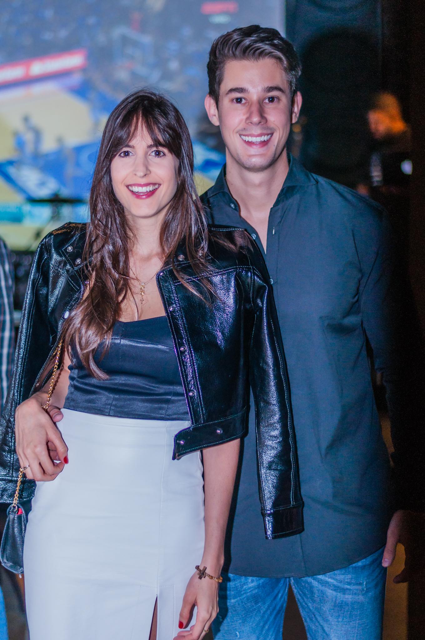 Duana Dornelas e Caio Barth no lançamento da temporada 2020 do Porão em Vix. Foto: Luísa Stein