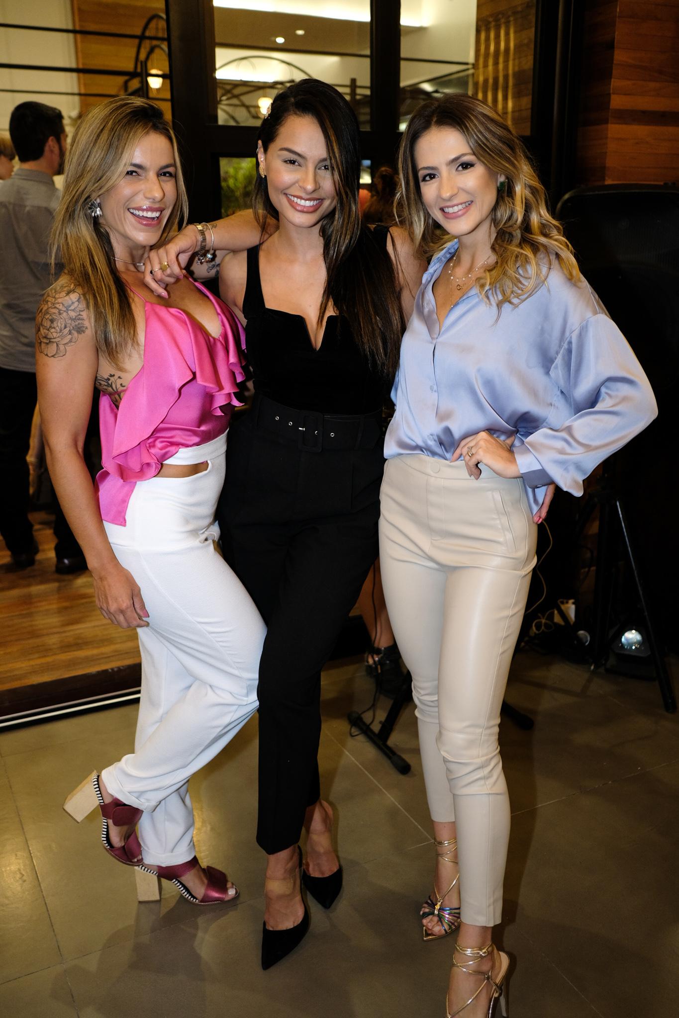 Mariana Morena, Stephany Pin e Itala Monti na inauguração da Figata no Shopping Vitória. Foto: Camilla Baptistin