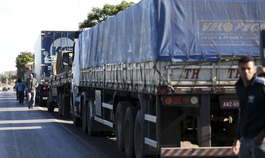 Caminhoneiros, motoristas e portuários serão vacinados contra a gripe. Foto: Marcelo Camargo/Agência Brasil