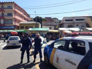Agentes em viaturas estão circulando pelas ruas realizando campanha educativa. Foto: Divulgação/Semsu