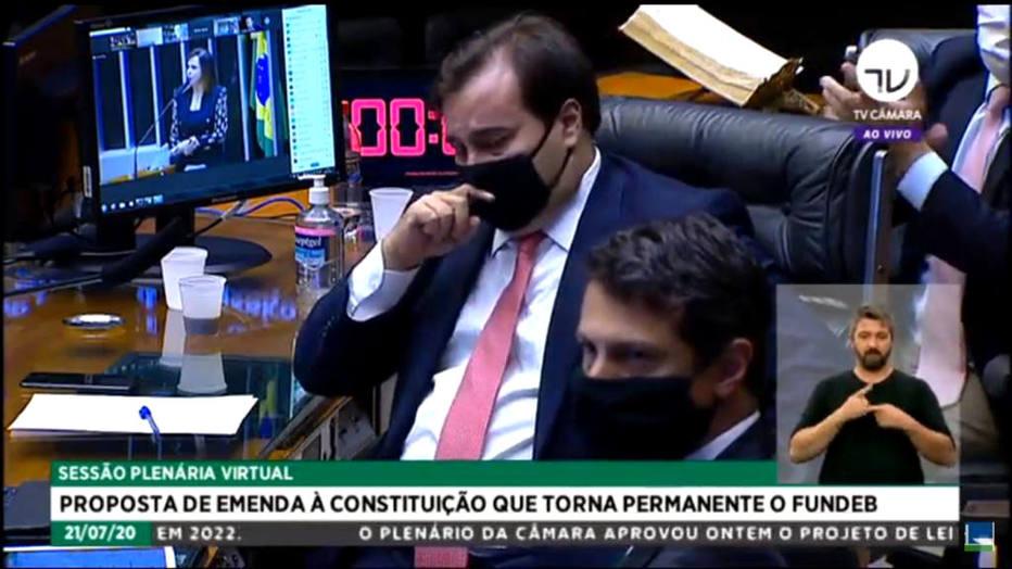 Durante a leitura do relatório, Dorinha elogiou o empenho do presidente da Câmara, Rodrigo Maia (DEM-RJ) em aprovar o Funded. Maia chorou emocionado. Foto: Reprodução/ TV Câmara