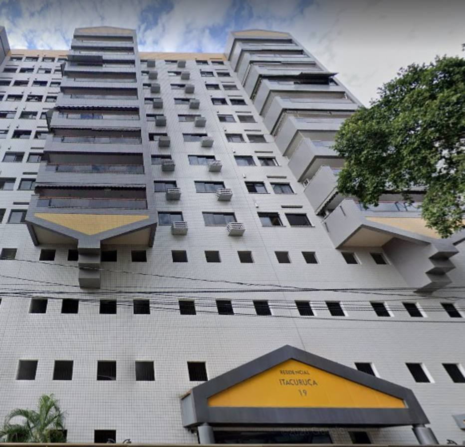 Apartamento comprado por Carlos Bolsonaro fica na Rua Itacuruçá, na Tijuca. Foto: Google Street View/ Reprodução