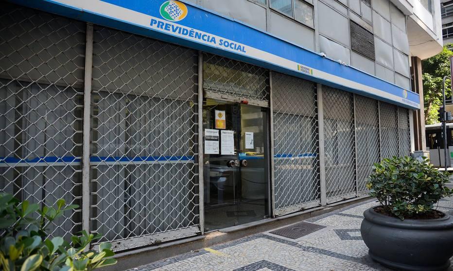 Impasse: INSS reabriu suas agências, mas peritos médicos federais se recusam a ir trabalhar. Foto: Tomaz Silva/Agência Brasil