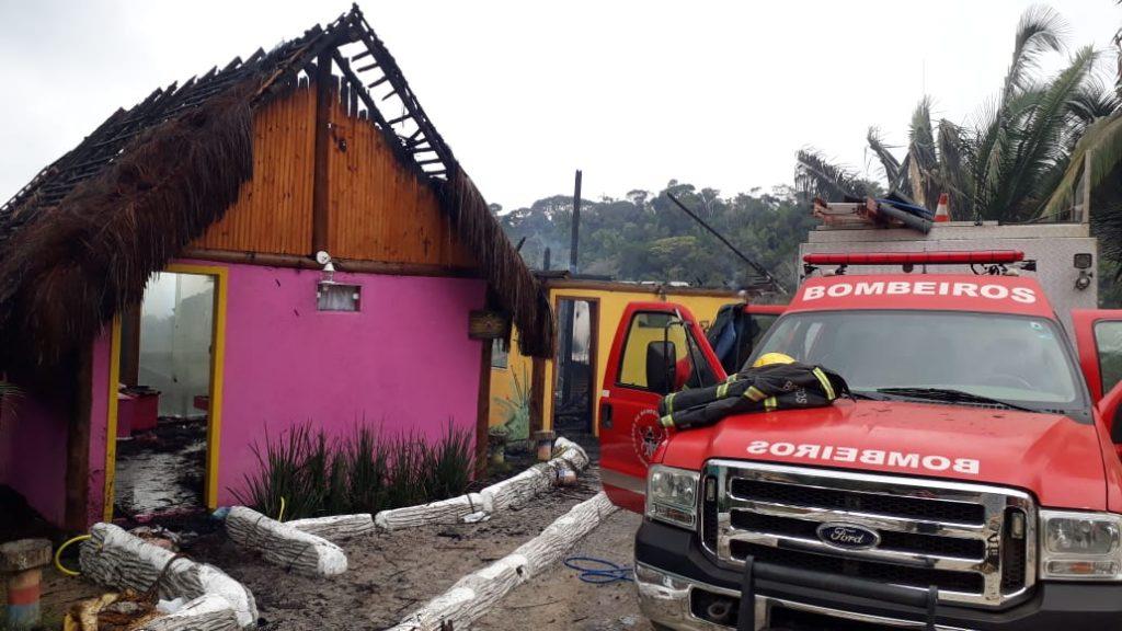 Incêndio em pousada de Dormingos Martins. Foto: Divulgação/Corpo de Bombeiros