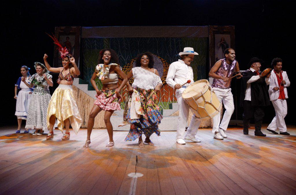 Casa Grande e Senzala - Manifesto Musical Brasileiro - Os Ciclomáticos Cia de Teatro - Foto Alziro Xavier