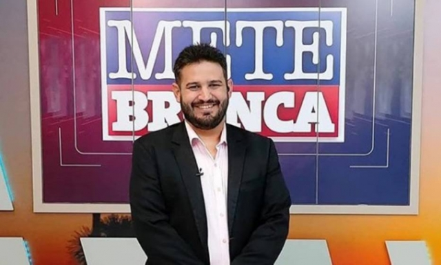 Romano dos Anjos, apresentador do 'Mete Bronca', programa da TV Imperial, afiliada da Record em Roraima. Foto: Instagram/@tvimperialoficial