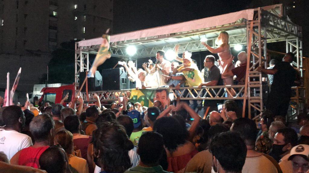 Comemoração da vitória de Arnaldinho Borgo em Vila Velha. Foto: Divulgação