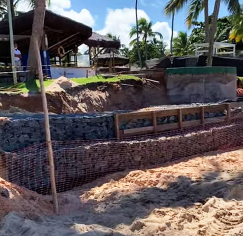 O Tivoli Ecoresort afirmou, por sua vez, que o objetivo da obra é conter o avanço do mar sobre a estrutura do hotel. Foto: Reprodução