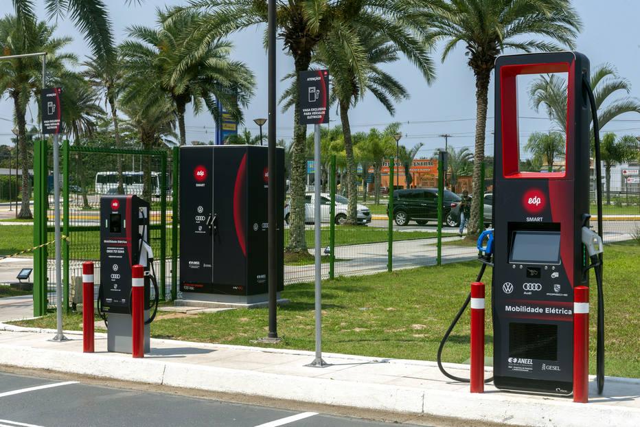 Postos de recarga de veículos elétricos da EDP. Foto: EDP/ Divulgação