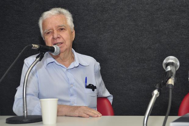José Maria Mayrink. Fotos: Ana Carolina Nunes/PUC