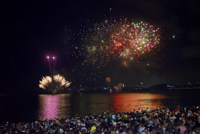 Réveillon 2020 - Queima de fogos na Praia de Camburi. Foto: Flávio Almeida