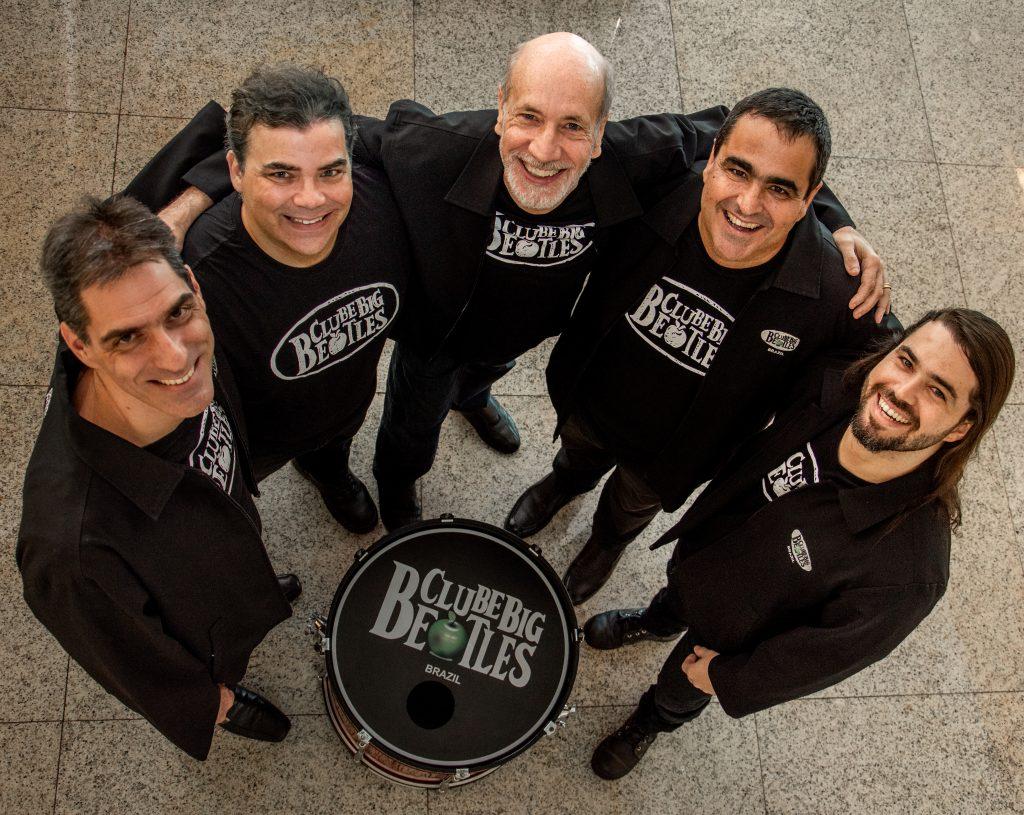 """O Clube Big Beatles em seus 30 anos de carreira e 26 anos consecutivos se apresentando no """"International BeatleWeek"""" o Festival dos Beatles de Liverpool."""