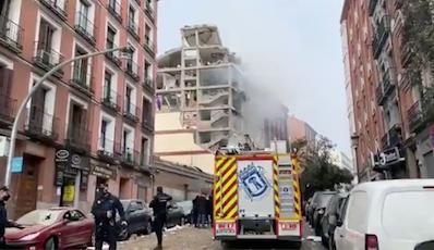 Explosão no centro de Madri derruba parte de prédio e deixa feridos. Foto: Reprodução/Twitter