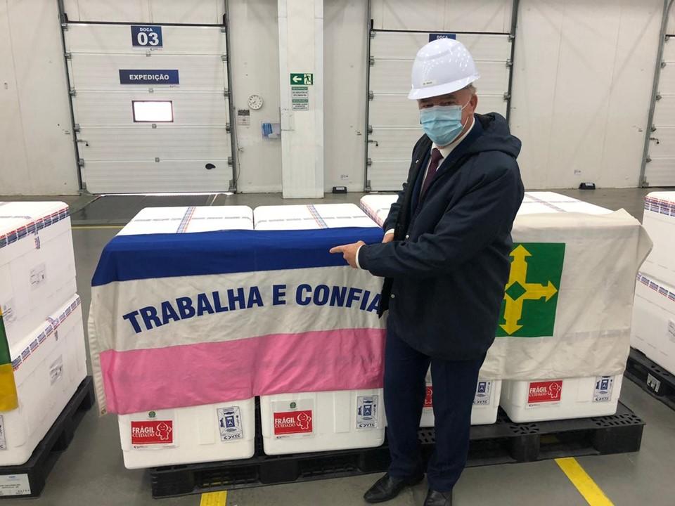 Lote de 95.440 doses de vacina contra a covid-19 distribuído pelo Ministério da Saúde ao Espírito Santo. Foto: Giovani Pagotto/Governo-ES