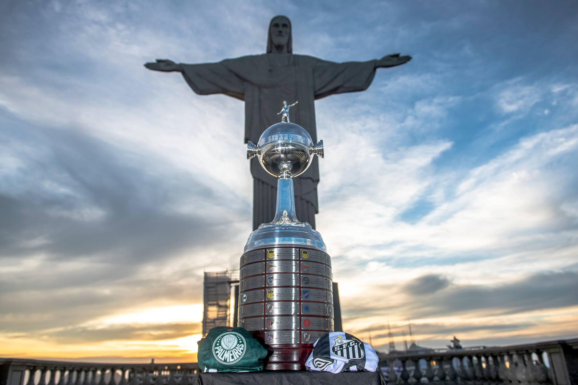 Palmeiras e Santos disputam o troféu da Libertadores neste sábado. Foto: Reprodução/Conmebol