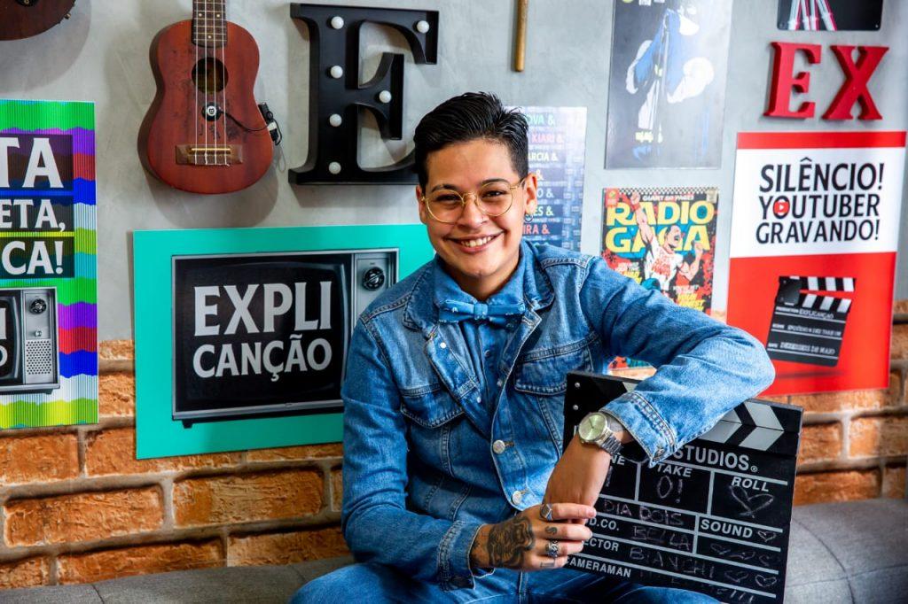 """Bella Nogueira, artista e realizadora do canal de youtube e festival """"Explicanção"""". (Foto: Divulgação)"""
