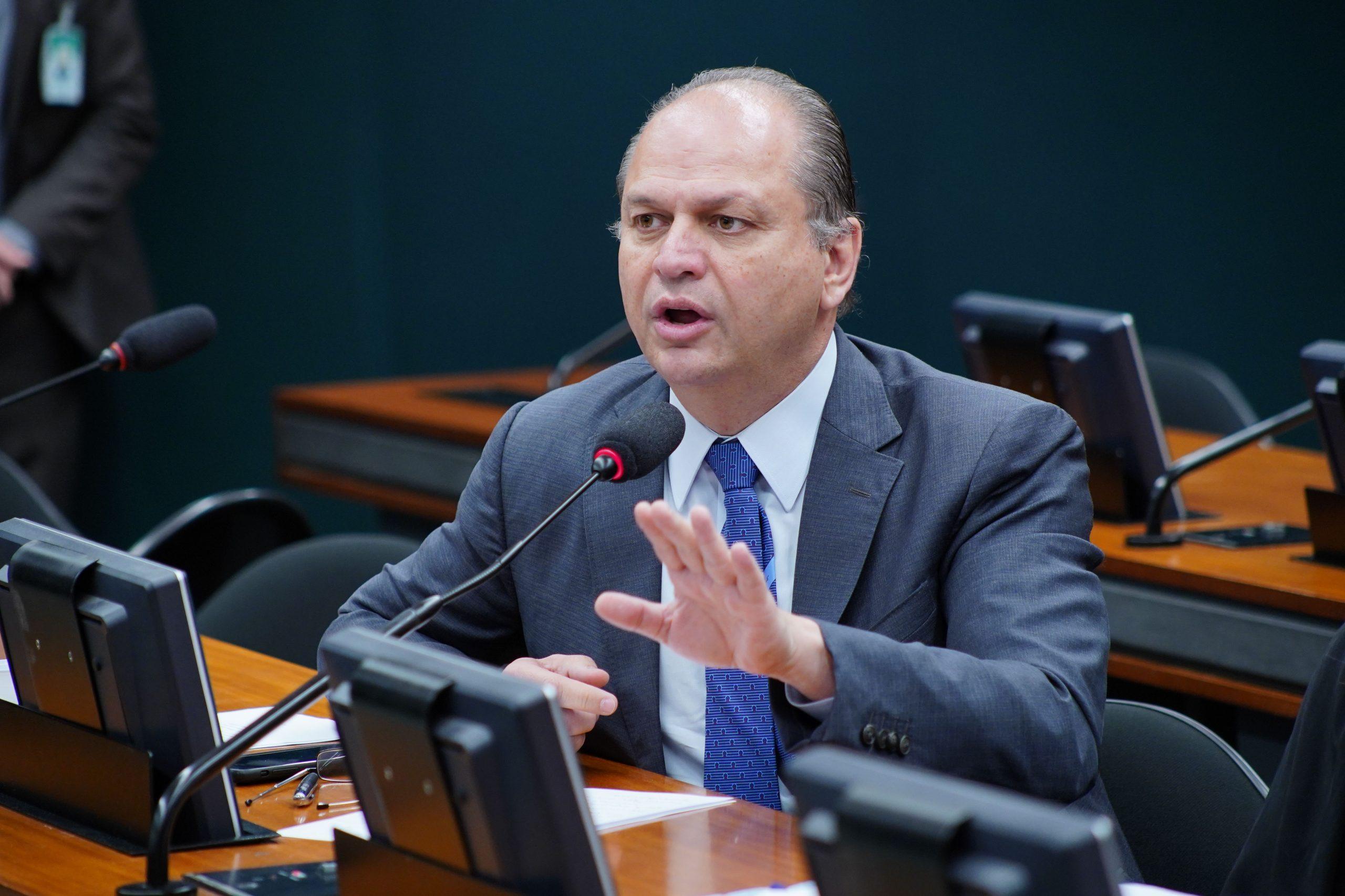 O deputado Ricardo Barros tem relação conflituosa com a Anvisae reclama do excesso de burocracia desde que era ministro da Saúde, no governo Temer. Foto: Will Shutter/Câmara dos Deputados