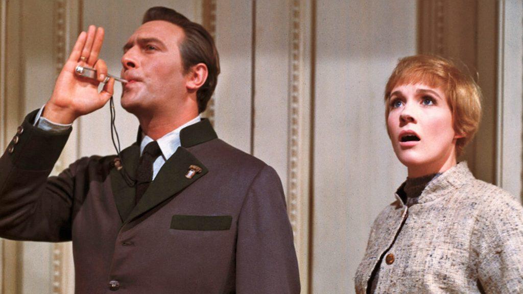 """Julie Andrews e Christopher Plummer no filme """"A Noviça Rebelde"""" (Reprodução: iMDB)"""