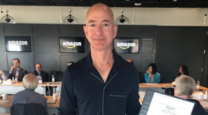 Homem mais rico do mundo, Jeff Bezos. Foto: Reprodução/Instagram
