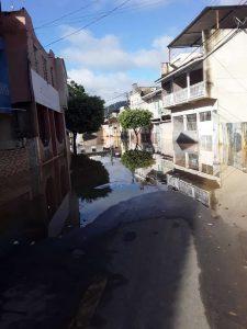 Rua alagada em Bom Jesus do Norte. Foto: Internauta